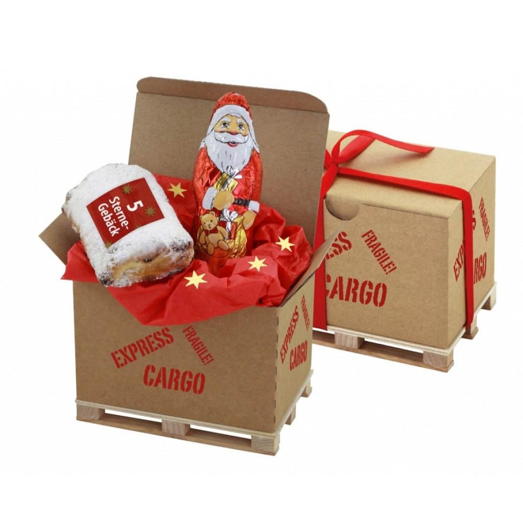 Weihnachtsmann, Stollen auf Cargo Box